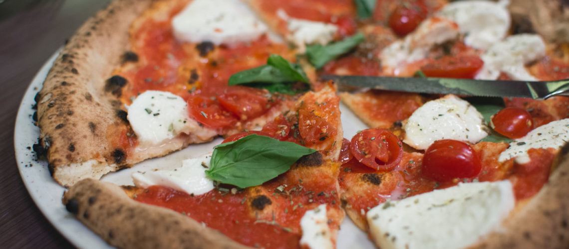 Tomato basil pizza with mozzarella